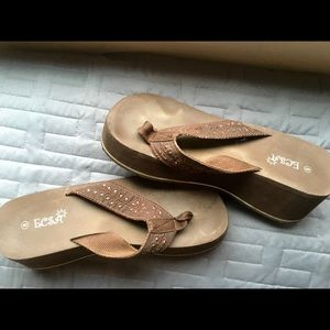 e4828570e24c5a ECSA brown platform beach sandals flip flops